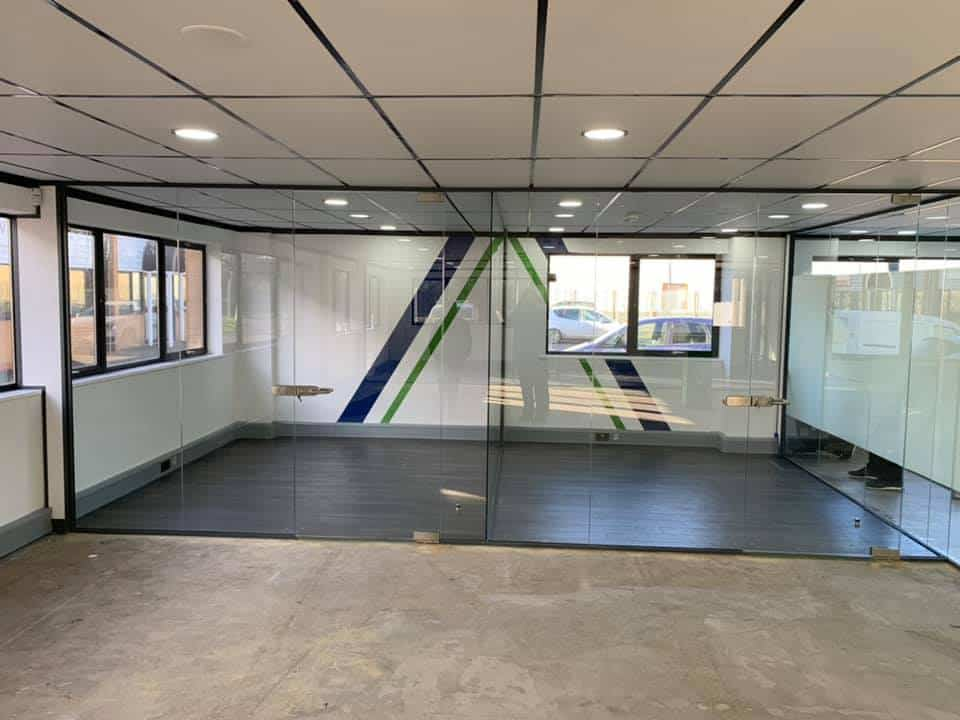 Glazing partition office